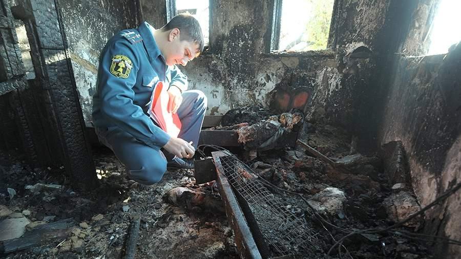 абота сотрудников пожарной охраны МЧС по исследованию пожара