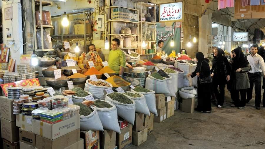 Магазин на крытом базаре Исфахана, Иран