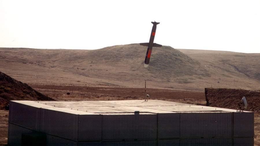 РакетаBGM-109 Tomahawk над учебной целью