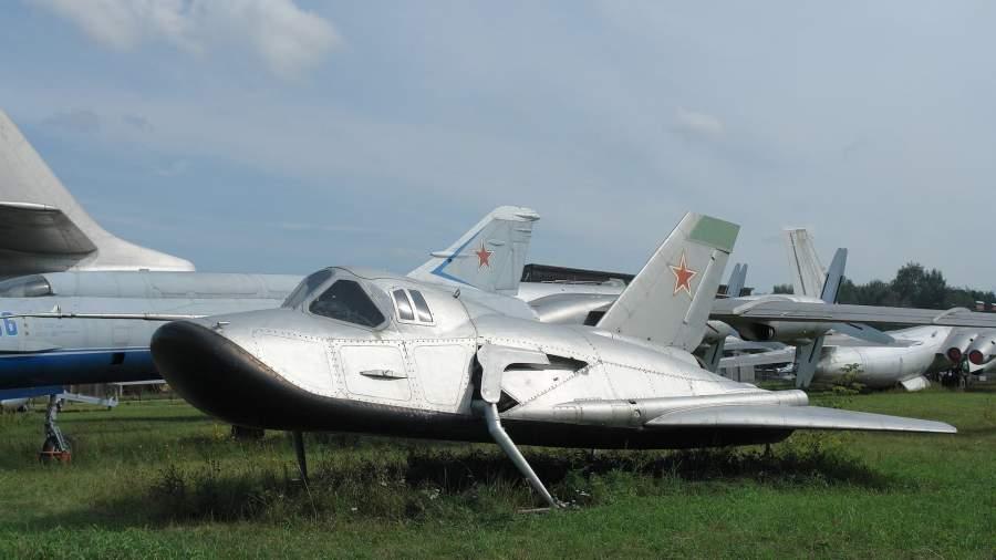 Самолет-аналог МиГ-105