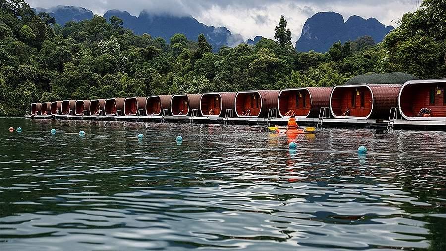 Плавучие туристические домики на озере Чео Лан в национальном парке Као Сок