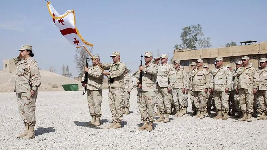 Грузинские солдаты во время построения в базовом лагере «Дельта», Аль-Кут, Ирак