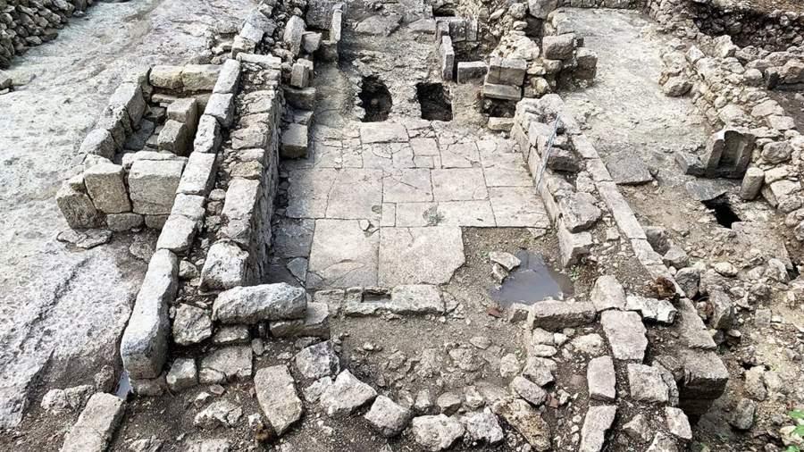 Храм на плато Эски-Кермен