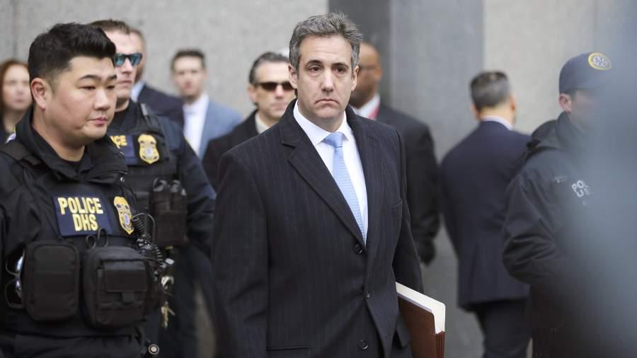 Майкл Коэн на выходе из суда в Нью-Йорке