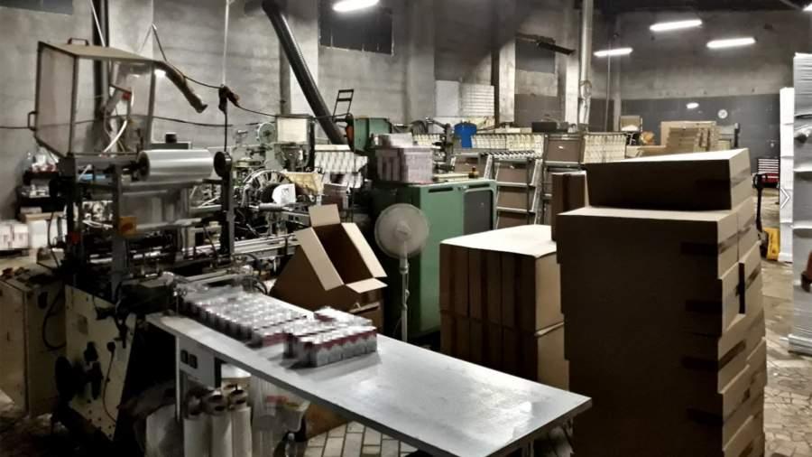 Подпольная фабрика по производству сигаретв Польше