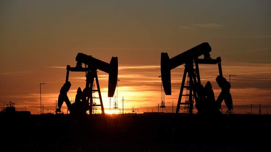 электронасос качает нефть