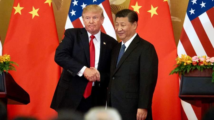 Президент США Дональд Трамп и председатель КНР Си Цзиньпин (слева направо) во время пресс-конференции