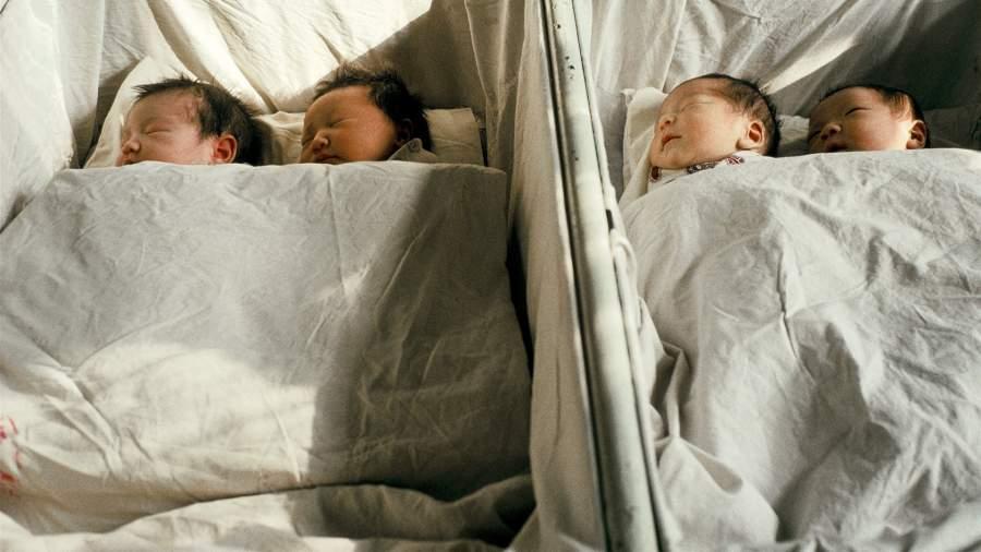 Новорожденные в родильном отделении, Китай