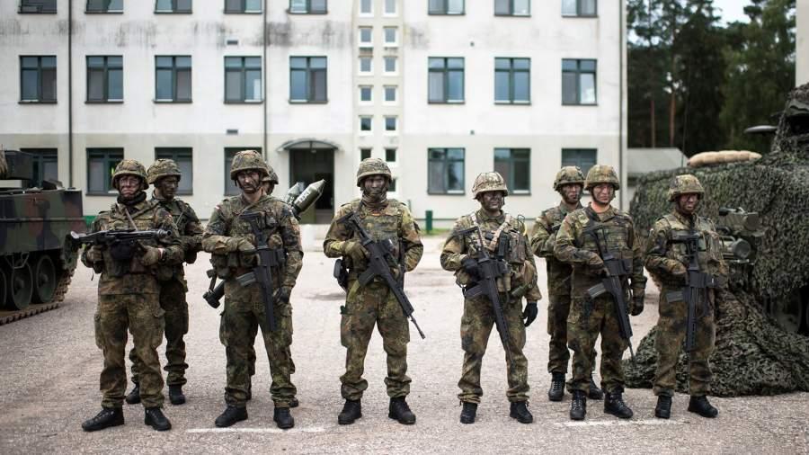 Солдаты батальона НАТО в Рукле