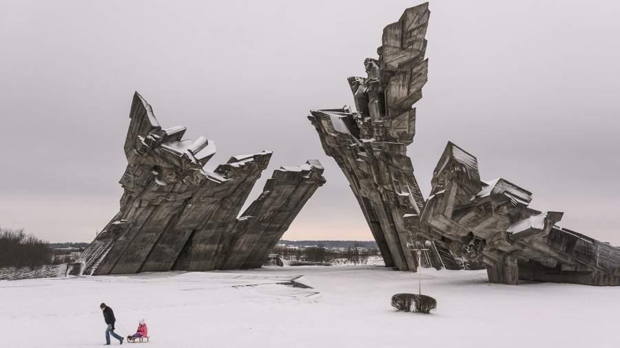 Памятник жерствам нацизма в Каунасе