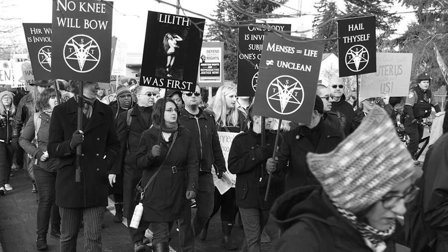 Картинки по запросу Час тьмы: как сатанисты из Салема органично вписались в политическую повестку