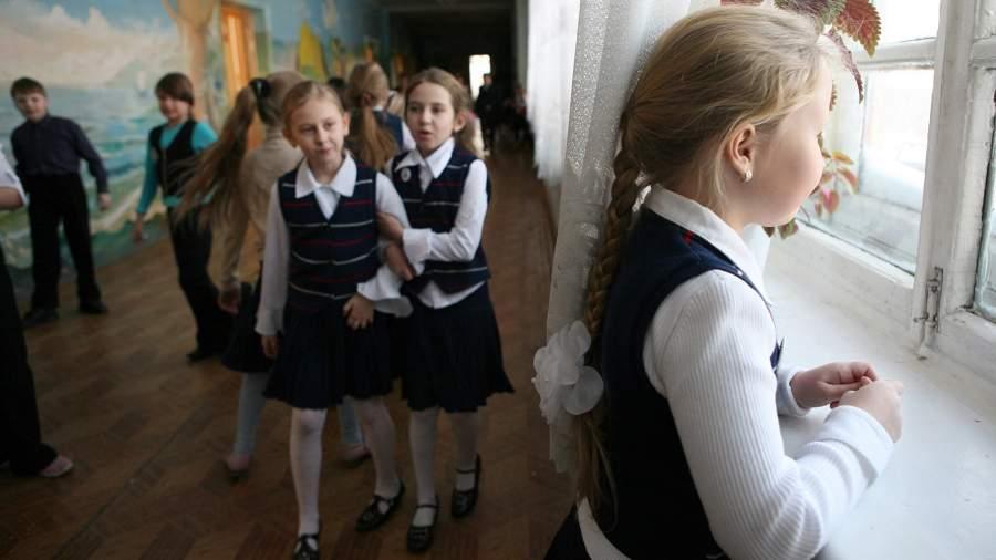 Школьницы на переменке