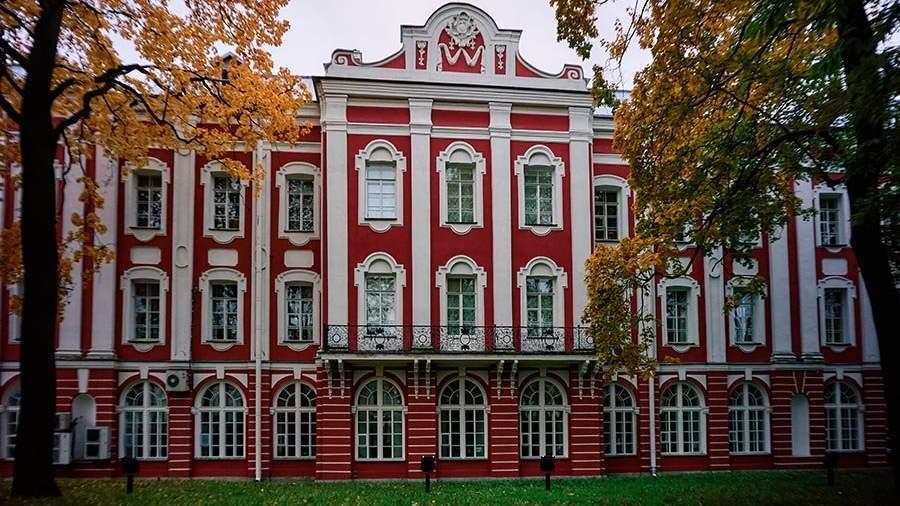 лунник санкт-петербургский университет картинки малых лет взялся