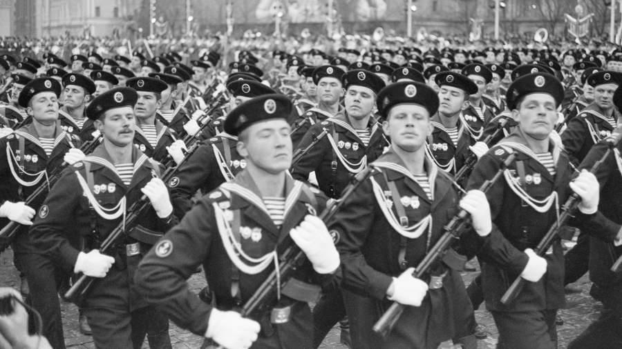 Парад войск Московского гарнизона на Красной площади