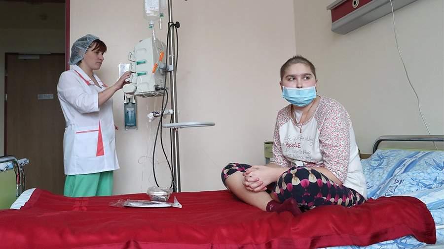 Пациентка в своей палате в Центре детской гематологии, онкологии и иммунологии имени Димы Рогачева