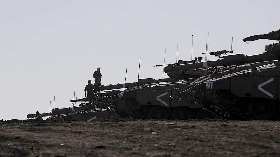 """Израильские танки """"Меркава""""на контролируемых Израилем Голанских высотах"""