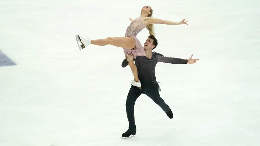 Виктория Синицина и Никита Кацалапов выступают с произвольной программой в соревнованиях среди танцевальных пар на V этапе Гран-при по фигурному катанию в Москве