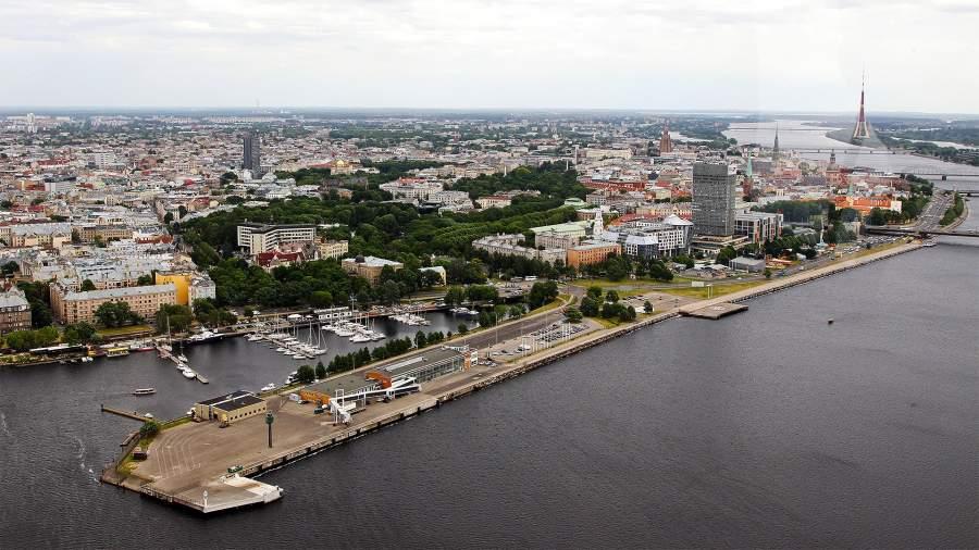 рига латвия порт море