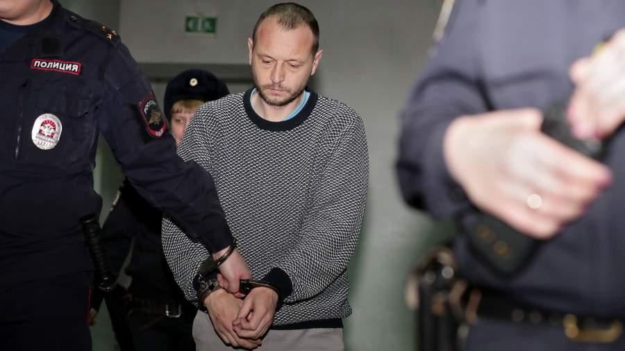 Иван Казанцев, подозреваемый в убийстве своего сына, во время избрания меры пресечения в Ленинском районном суде