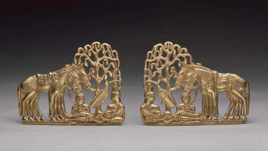 Пара поясных пластин из Сибирской коллекции Петра I