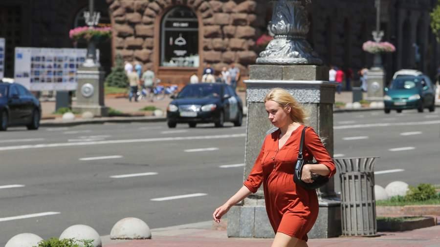 Беременная девушка, Киев
