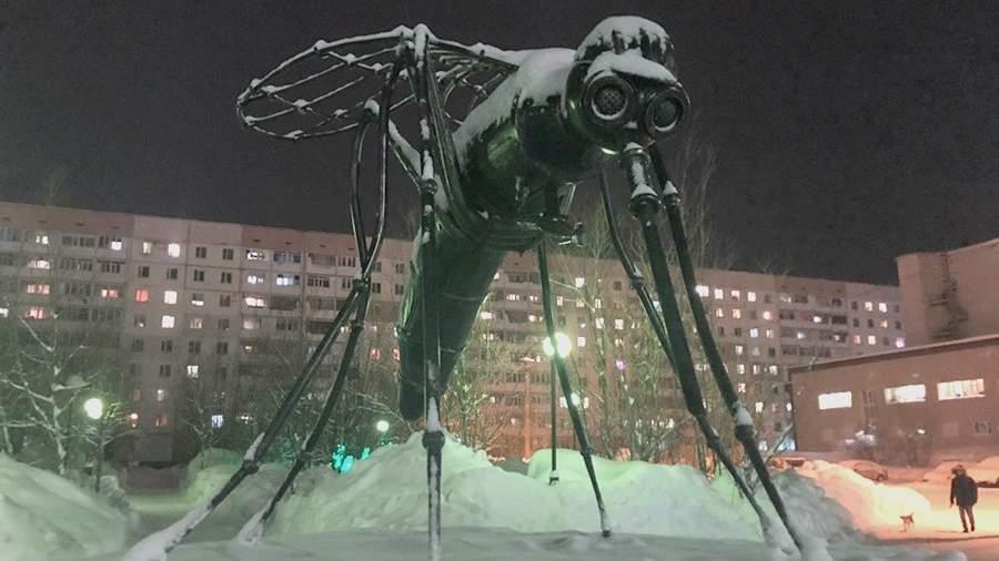 Памятник комару-нефтянику