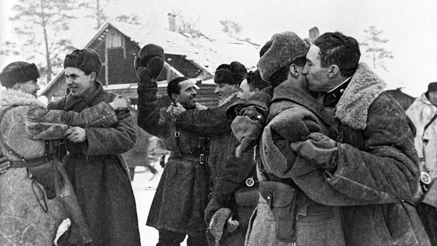 Прорывблокады Ленинграда, встреча солдат Ленинградского и Волховского фронтов 18 января 1943 года