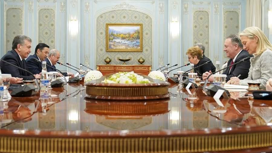 Президент Узбекистана Шавкат Мирзиёев и госсекретарь США Майк Помпео во время встречи в Ташкенте. 3 февраля 2020 года