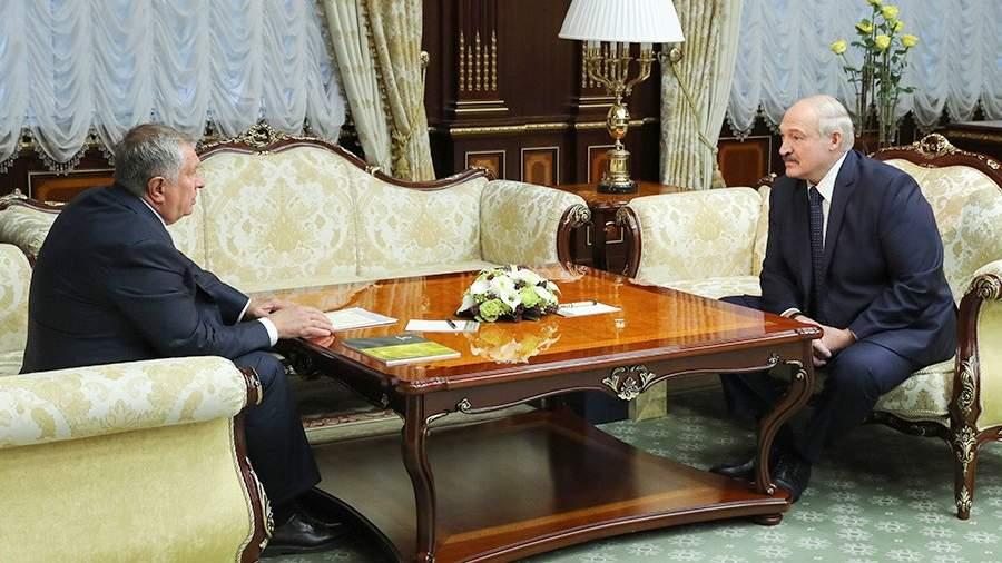 Председатель правления ПАО «НК «Роснефть» Игорь Сечин и президент Белоруссии Александр Лукашенко во время встречи. 18 февраля 2020 года