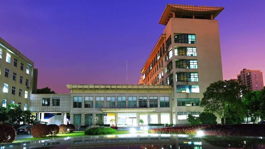 Лаборатории Уханьского института вирусологии
