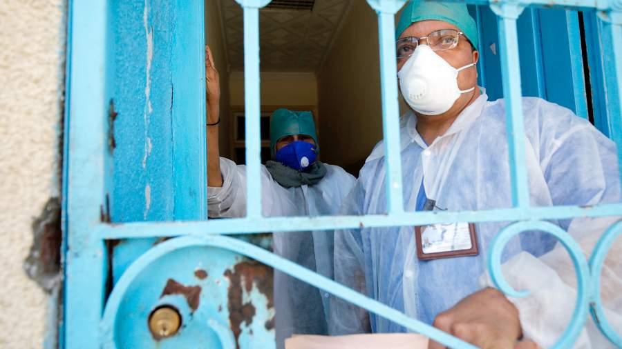 Врачи одной из алжирских больниц