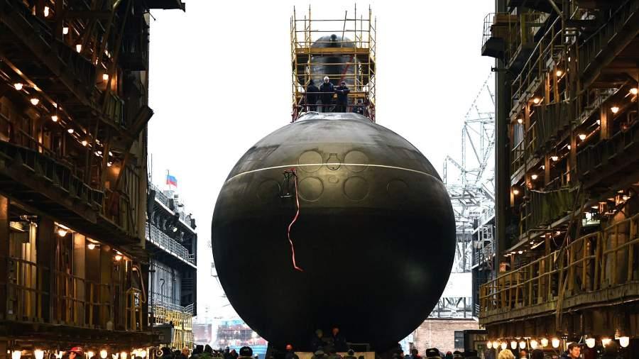 Спуск на воду дизель-электрической подводной лодки