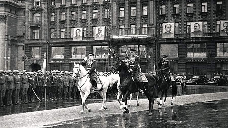 Маршалы Георгий Жуков и Константин Рокоссовский