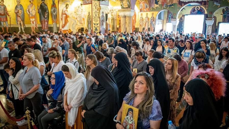 Члены Сербской православной церкви