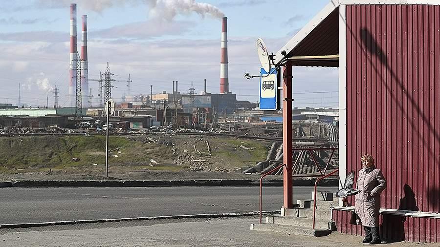 Вид на территорию ТЭЦ-3, где произошел разлив топлива