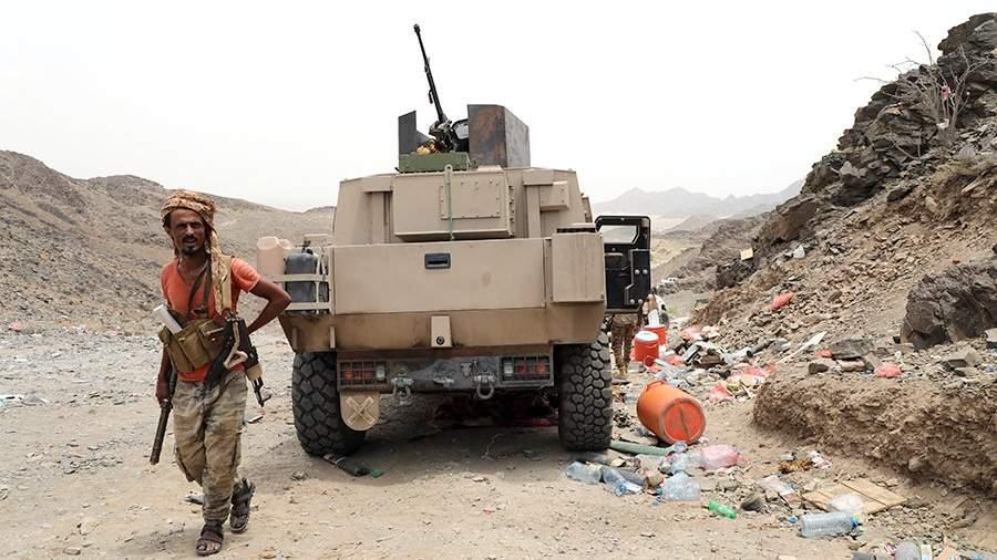 Захваченный хуситами бронеавтомобиль правительственных войск