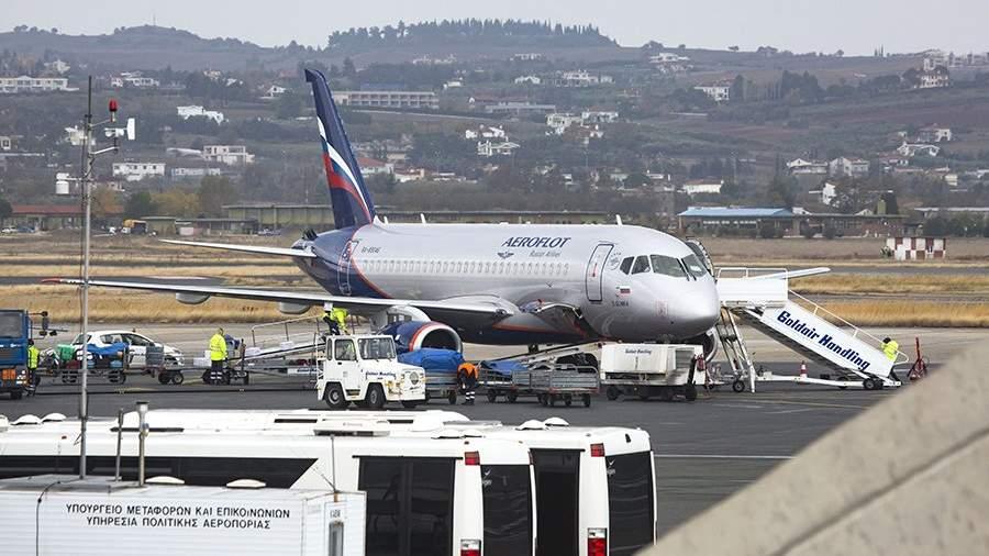 Самолет авиакомпании «Аэрофлот» в аэропорту города Салоники