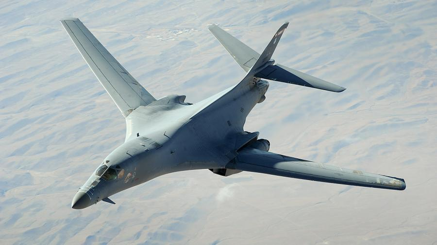 US supersonic strategic bomber B-1