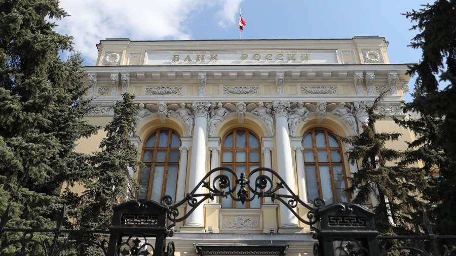 Русский нестандарт: банк Рустама Тарико может уйти с рынка