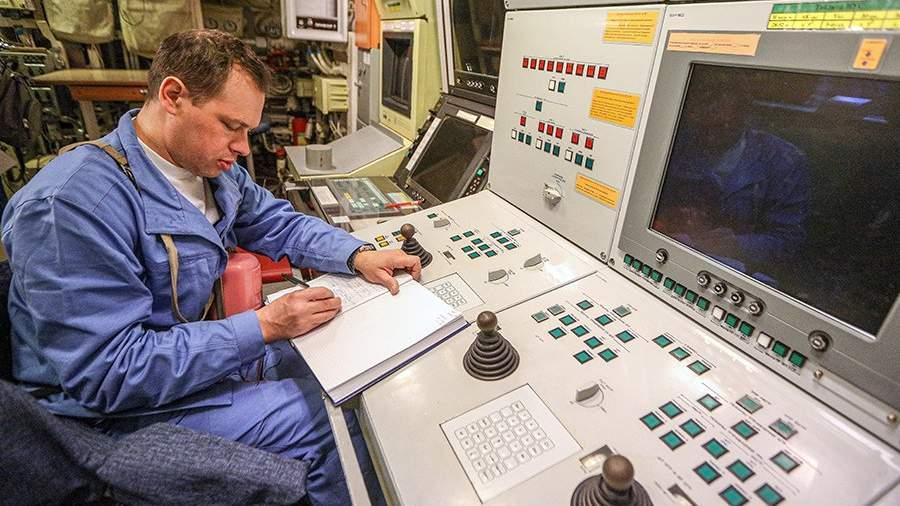 Военнослужащий на борту многоцелевой атомной подводной лодки проекта 885 «Северодвинск»