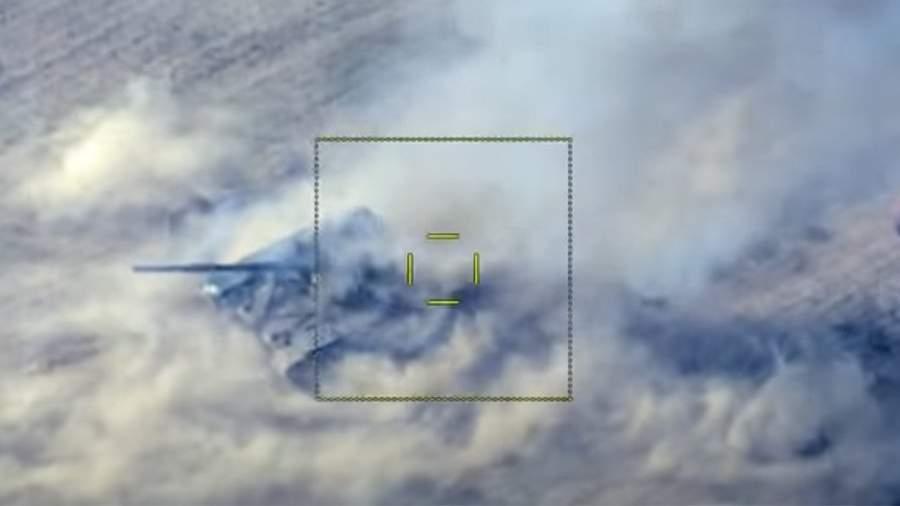 Кадр уничтожения танка армянских ВС