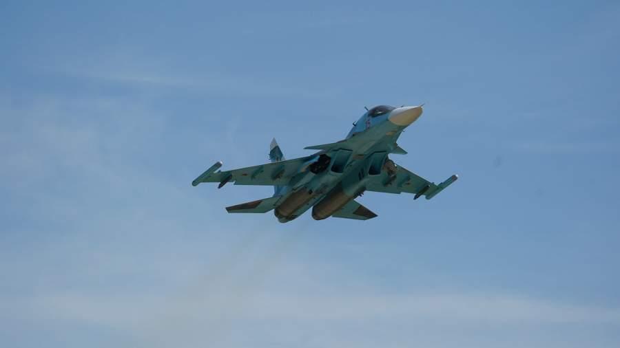 Су-34 меняет профессию: экипажи бомбардировщиков научат сбивать самолеты