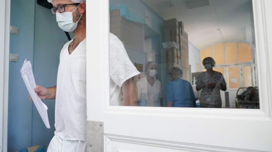 больница врачи