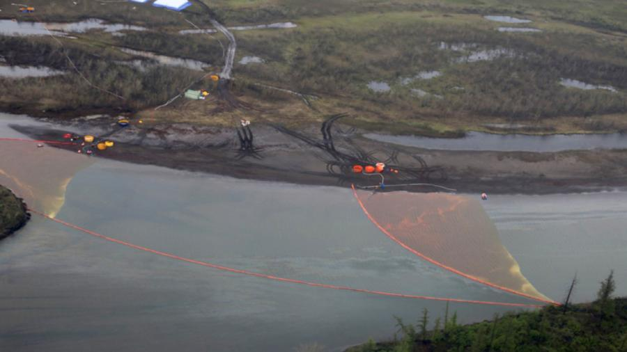 Ликвидация последствий розлива нефтепродуктов из резервуара