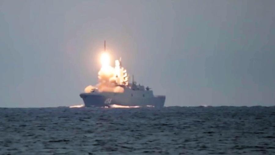 The first launch of the Zircon hypersonic missile from the frigate Admiral Gorshkov in the White Sea against a sea target in the Barents Sea