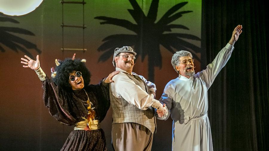 Сцена из спектакля «Бармалей»