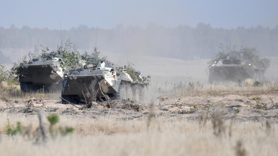 """Armored personnel carriers BTR-82 during the exercise """"Slavic Brotherhood - 2020"""" with the participation of servicemen of the Pskov division of the Russian Airborne Forces"""