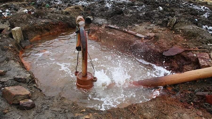 Одна из водопроводных колонок города Дагестанские Огни
