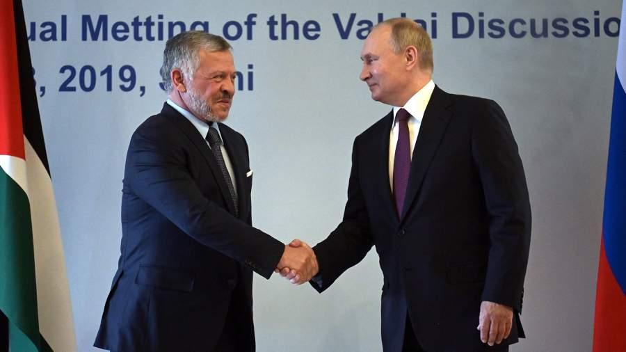 Президент РФ Владимир Путин и король Иорданского хашимитского королевства Абдалла II бен Аль-Хусейн во время встречи в 2019 году