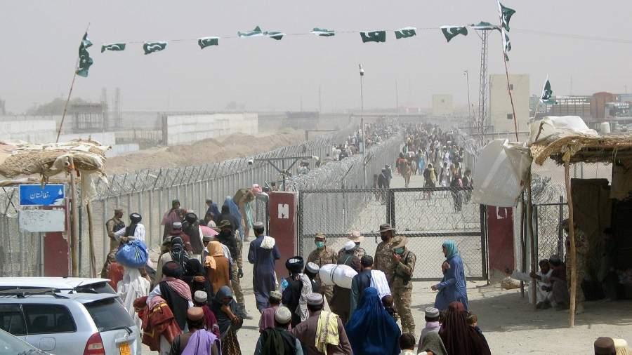 Людина контрольно-пропускном пункте «Ворота дружбы» в пакистано-афганском пограничном городе Чаман
